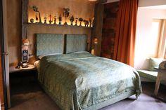 Zimmer Indien im hotel Träumerei #8  =====  #traeumerei #traeumerei8 #hotel #kufstein #austria #tirol #auracherlöchl #romantikhotel #hoteldesign #hotelroom #room #mailand #hoteldecor #uniquedecor #uniquedesign #butiquehotel #riverhotel #besthotel #beautifulhotel Bed, Design, Furniture, Home Decor, Indian, Remodels, Decoration Home, Stream Bed, Room Decor