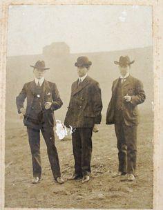Cabinet Card Photo - Texas Gentlemen - 1890s - Hats Suits - Men's Fashion - Vintage Antique - Sepia