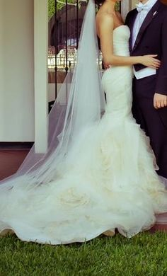 Vera Wang Gemma wedding dress - 27 inch waist. I need this dress and also a shot like this