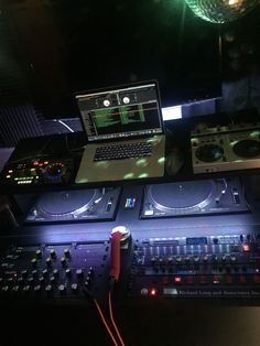This is one the essentials equipment a DJ must have before performing there are so many tricks that can be done using a turntable such . Dj Equipment For Sale, Music Production Equipment, Home Studio Music, House Music, Dj Music, Dance Music, Dj School, Dj Sound, Dj Setup