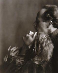 Edward Weston and Margrethe Mather,1922, photo byImogen Cunningham viaworkman&inneroptics