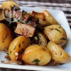 Ofenkartoffeln mit Pilzen /  Statt der im Rezept angegebenen Pilze kann man auch eine Mischung aus frischen Waldpilzen verwenden.@ de.allrecipes.com