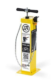 public bike pump and tools set | pompa d'aria di biciclette e gli strumenti impostati | Bomba de aire de bicicleta y conjunto de herramientas | Fahrrad luftpumpe und Werkzeugsatz | Pompe à air pour vélo et ensemble d'outils | pompka rowerowa oraz zestaw narzędzi