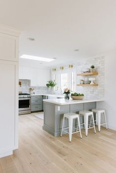 5 Small Kitchen Layout Ideas That Dare to Defy Your Lack of Square Footage & Hunker 5 Small Kitchen Layout Ideas That Dare to. The post 5 Small Kitchen Layout Ideas That Dare to Defy Your Lack of Square Footage Home Decor Kitchen, Interior Design Kitchen, Diy Kitchen, Home Design, Home Kitchens, Kitchen Dining, Design Ideas, Rustic Kitchen, Kitchen Modern