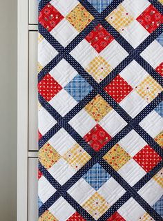 Sewing Quilts Preppy - a free quilt pattern by A Bright Corner - This month I was invited to be a part of the Five Fat Quarter Fun series with Amber Lap Quilts, Patchwork Quilting, Scrappy Quilts, Batik Quilts, Longarm Quilting, Quilting Projects, Quilting Designs, Quilting Patterns, Baby Boy Quilt Patterns