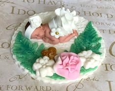Vintage baby shower cake topper. CREATE A BEAUTIFUL CAKE AT HOME••• Our fondant cake toppers make designing your own special cake super easy! Choose one on our site and personalize it to your colors or have one made just for you! Fondant Cake Toppers, Fondant Baby, Fondant Figures, Succulent Cakes, Princess Cake Toppers, Woodland Cake, Girly Cakes, Sugar Art, Baby Shower Cakes