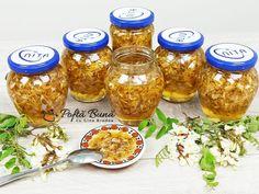 Dulceata de salcam cu lamaie, reteta veche Canning Pickles, Mason Jar Wine Glass, Chutney, Deserts, Spices, Food And Drink, Gem, Tableware, Foods