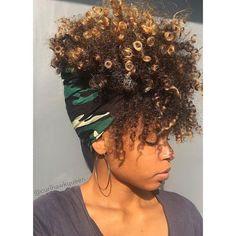 Yaasss! They're popping! @curlhawkqueen  #curlkit #teamnatural #teamnatural_ #mynaturalhair #urbanhairpost #naturalhairmojo #naturalherstory #myhaircrush #naturalhaircommunity #naturalhairdaily #usnaturals #naturalhairstyles #naturallyshesdope #curlswithlove #amazingnaturalhair #trialsntresses #curlsaunaturel #amatusrioz #yoamomipajon #uknaturals #afrolatina