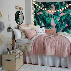 Pink and Grey and White Dorm Room Inspiration. Beach vibes Pink and Grey and White Dorm Room Inspiration. Dorm Room Designs, Girl Bedroom Designs, Bed Designs, Cute Bedroom Ideas, Room Ideas Bedroom, Teen Bed Room Ideas, Girls Bedroom Ideas Teenagers, Teenage Girl Bedrooms, Bedroom Themes