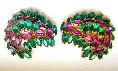 Vintage Pair Rhinestone Dress Clips Emerald by nanascottagehouse $125 Dress clips had the finishing touch to collars or get creative and make a sash, or hair ornament.