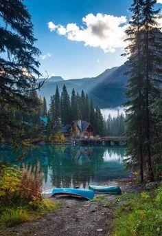 °°Emerald Lake, Yoho National Park, British Columbia, Canada°°