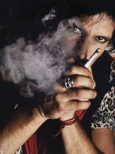 It's a Man's World — Keith Richards, 1981. © Photo by Lynn Goldsmith. Keith Richards, Rolling Stones Logo, Like A Rolling Stone, Lynn Goldsmith, Rollin Stones, I Quit Smoking, Coffee And Cigarettes, Ronnie Wood, Stone World