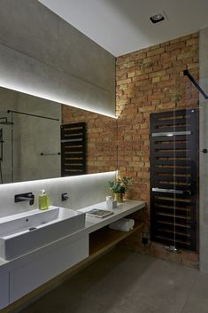 Bathroom Design Luxury, Modern Bathroom, Kids Bath, House Furniture, Bathtub, House Design, Home Decor, Standing Bath, Funky Bathroom