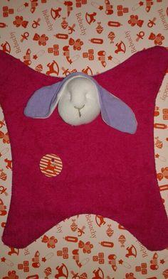 Manta apego en towel  www.bebuchybebe.com.ar