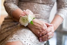 Mother of the bride flowers can be more than just a traditional bouquet or corsage! For some great alternative and other useful tips, you'll want to read this article.