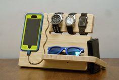 Reloj y dock iPhone 6 6s del ojo más por undulatingcontours