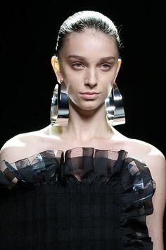 Resultado de imagen de pendientes moda 2017MERCEDES FASHION WEEK