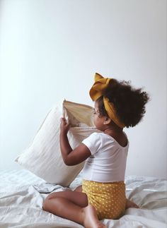 Introducing our new Organic Toddler Pillows! Coming to our site soon 🧡. Bringing Baby Home, Toddler Pillow, Moses Basket, Newborn Gifts, Baby Cribs, Organic Baby, Cool Baby Stuff, Pillows, Children