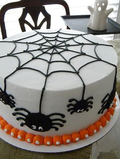 halloween cakes Spider cake for Trey Halloween cake decorating ideas Halloween Desserts, Halloween Torte, Bolo Halloween, Pasteles Halloween, Halloween Birthday Cakes, Halloween Goodies, Halloween Treats, Halloween Decorations, 4th Birthday