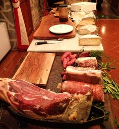 A typical #Tuscan appetizer. What is missing? Oh, the wine... of course!