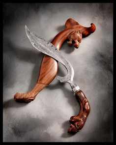 THE KUJANG is a blade weapon native to the Sundanese people of West Java, Indonesia. According to Sanghyang siksakanda ng karesian canto XVII, kujang was the weapon of farmers and has its roots in. Katana, Martial Arts Weapons, Indonesian Art, Warrior Spirit, Knives And Swords, Lame, Congo, Medieval, Guns