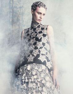 Vogue Japan September 2014 | Julia Nobis by Luigi & Iango