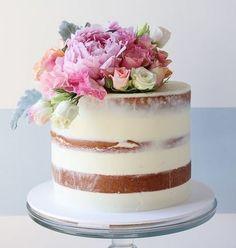 34 Yummy Semi Naked Wedding Cakes   HappyWedd.com