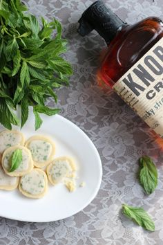 Celebrate the Kentucky Derby in delicious style with this fresh and bite-sized mint julep cookie recipe. You can't go wrong with bourbon in your cookies! Perfect for Kentucky Derby party recipes! Shortbread Recipes, Cookie Recipes, Shortbread Cookies, Dessert Recipes, Mint Cookies, Cookie Ideas, Party Recipes, Dessert Ideas, Yummy Recipes