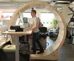 These Guys Built The Ultimate Human Hamster Wheel Standing Desk - Is this the ultimate way to stay active at work? To prevent themselves from sitting, these guys built a human hamster wheel for their standing desk. Bureau Design, Standing Desk Chair, Standing Desks, Treadmill Desk, Hamster Wheel, Stand Up Desk, Diy Desk, Home Office, Desk Office