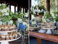 Mesa de doces azul e branco