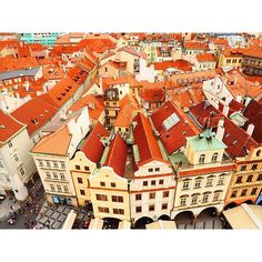 プラハの人すっごい陽気。  #mytrip #Czech #チェコ  #vacation #trip #travel #教会 #街並み #Euro #ヨーロッパ #Praha #プラハ #天文時計 #旧市街地広場 #ティーン教会 #プラハ城 #絶景 #一眼レフ
