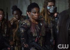"""The 100 -- """"The Chosen"""" -- Image HU412a_0194 -- Pictured: Adina Porter as Indra -- Credit: Diyah Pera/The CW -- © 2017 The CW Network, LLC. All Rights Reservedpn"""