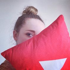 Me with my new play button pillow...