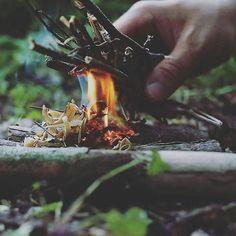 Repost @bushcraftfotoluk ・・・ #bushcraftknives #tlimknives #bushcrafting #bushmen #survivalkit #preppers #outdoorlife #campfire #campfire #fire #wildernessliving #wildcraft #wdupezmiastem #getautside #getoutdoors #getlostclub #52hikechallenge #zyjebysiewloczyc #wanderlust #woodland #woodsman #wildlife #bushcraft