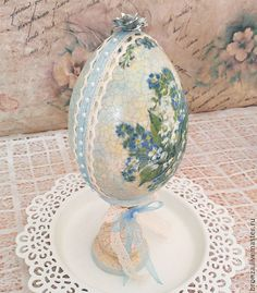 Easter Egg Crafts, Easter Gift, Easter Eggs, About Easter, Diy Ostern, Decoupage Art, Egg Designs, Easter Tree, Egg Art
