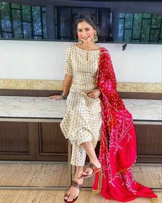 Silk Kurti Designs, Simple Kurta Designs, Kurta Designs Women, Kurti Designs Party Wear, Blouse Designs, Casual Indian Fashion, Indian Fashion Dresses, Indian Designer Outfits, Indian Outfits