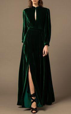 Classy Dark Green Split Velvet Dress – clothinsstyle Source by madeenanazary dresses classy Fashion Mode, Look Fashion, Fashion Design, Beautiful Dresses, Pretty Dresses, Awesome Dresses, Evening Dresses, Formal Dresses, Green Wedding Dresses