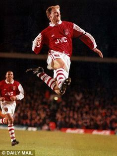 Dennis Bergkamp became an Arsenal great and had a fine season despite taking his time to s. Dennis Bergkamp, Arsenal Fc, Fifa, Kids Soccer, Aston Villa, North London, Great Team, Football Fans, Old Boys