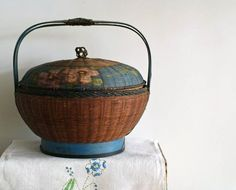antique sewing basket...love it wish I had one!