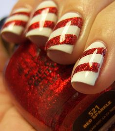 candy cane nails, perfect for Christmas. [ absolutely love this idea! too bad i can never keep polish on my finger nails. but I sure wanna try it! Do It Yourself Nails, How To Do Nails, Fun Nails, Pretty Nails, Nice Nails, Holiday Nails, Christmas Nails, Christmas Candy, Christmas Time