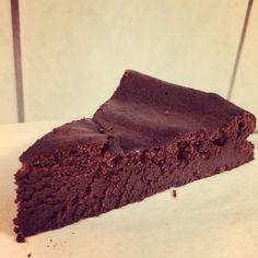 Chokoladekage uden mel og sukker Lchf Diet, Healthy Cake, Christmas Goodies, Low Sugar, Keto Snacks, Yummy Cakes, Low Carb Recipes, Baking, Eat