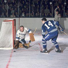 Les Binkley & Dave Keon Hockey Shot, Hockey Goalie, Hockey Teams, Hockey Pictures, Sports Pictures, Pittsburgh Sports, Pittsburgh Penguins, Maple Leafs Hockey, Pens Hockey