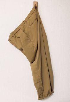 最近めっきり暖かくなり、日中は厚手生地のボトムスを履いていると汗ばむ季節になった。 とにかくせっかち […]
