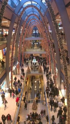 That's a giant mall! The Europa Passage in Hamburg, Germany #europapassage