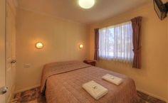 2 bedroom holiday unit master bedroom