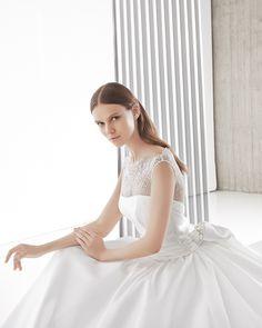 アクア・グラツィエがセレクトした、ELIZABETTA POLIGNANO(エリザベッタ ポリニャーノ)のウェディングドレス、ELP019をご紹介いたします。