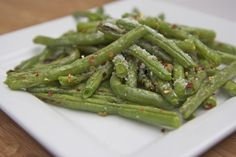 Divas Can Cook – Fresh Roasted Parmesan Garlic Green Beans  Modified.  Added red pepper