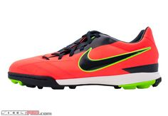 81673e92d289 Nike Soccer Shoes at SoccerPro.com
