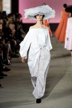 John Galliano at Paris Fashion Week Spring 2013 - Runway Photos John Galliano, Fashion Week, Paris Fashion, Madame, Summer Collection, Pretty Dresses, Gq, Runway, Spring Summer