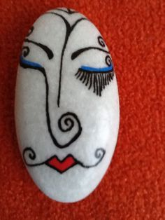 Painted Rock Ideas - Do you need rock painting ideas for spreading rocks around your neighborhood or the Kindness Rocks Project? Here's some inspiration with my best tips! Rock Painting Patterns, Rock Painting Ideas Easy, Rock Painting Designs, Pebble Painting, Pebble Art, Stone Painting, Stone Crafts, Rock Crafts, Arts And Crafts